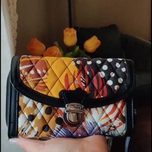 "Vera Bradley*""quilted wallet/ wristlet"